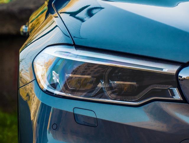 světlomet auta